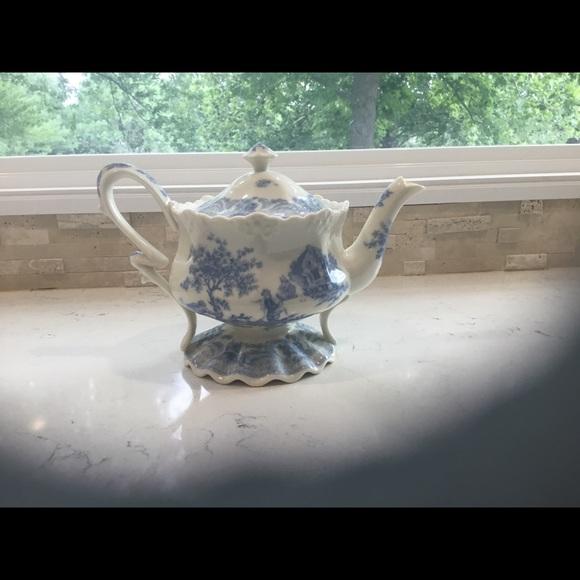Burton Blue & White Tea Pot